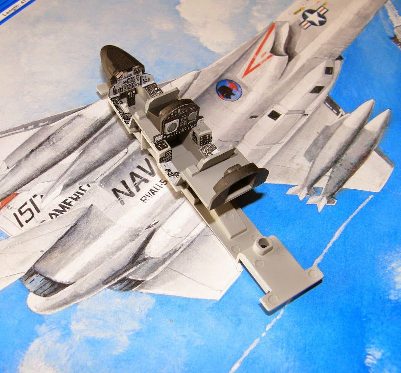 AeroScale  RA-5C Vigilante 148 Trumpeter Vigilante - how would you weigh a plane without scales