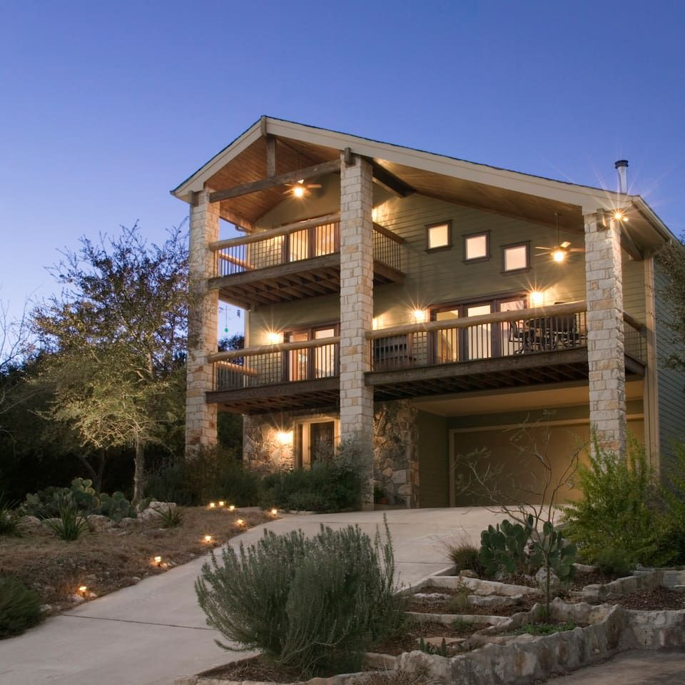 Fabulous 3 Story House Over Lake Austin Houses For Rent In Austin Home Interior And Landscaping Pimpapssignezvosmurscom