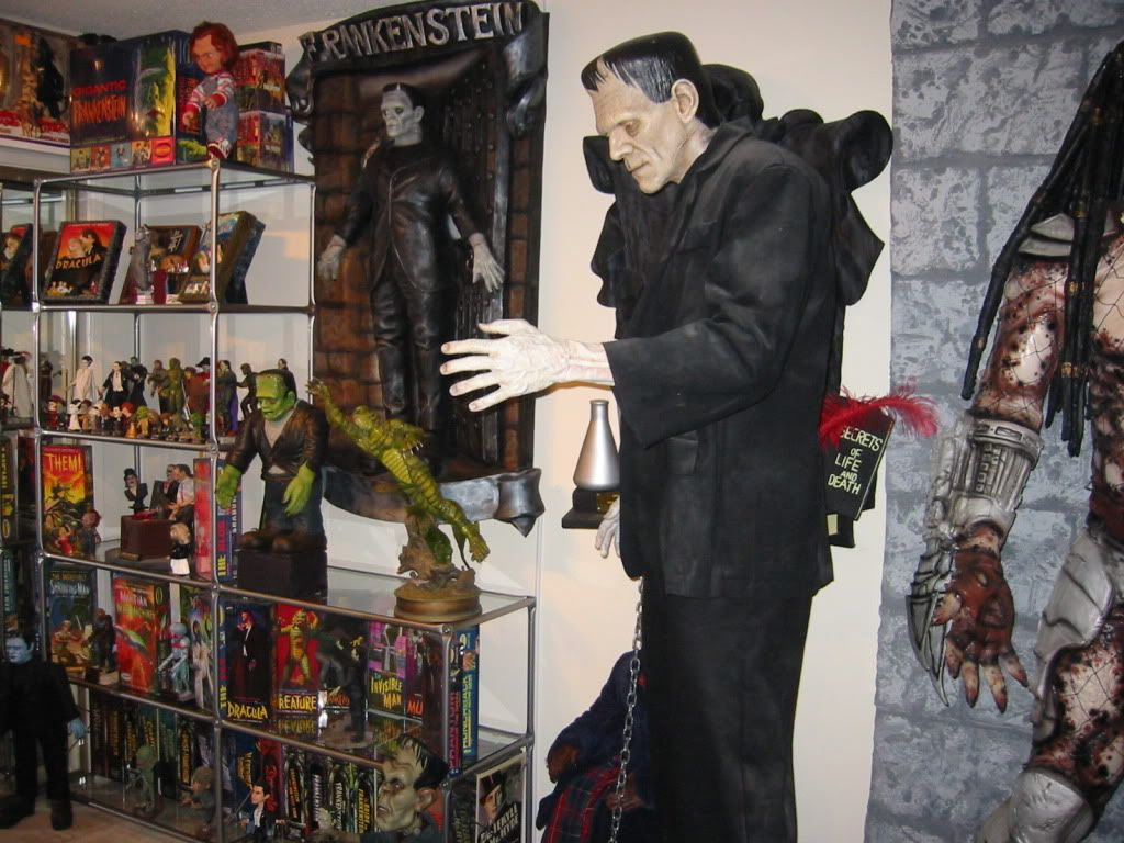 Startrekstuntmanu0027s Sci Fi Horror Room!