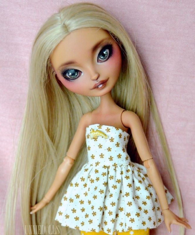 https://flic.kr/p/qYHrSm | Maya (customized Ever After High doll) | Maya (customized Ever After High doll) - Ginger Breadhouse - ADOPTED -