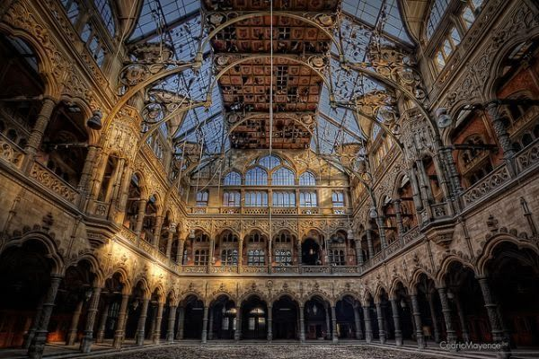 5 Pillars of the Abandoned World: Fallen Institutions, Lost Industry