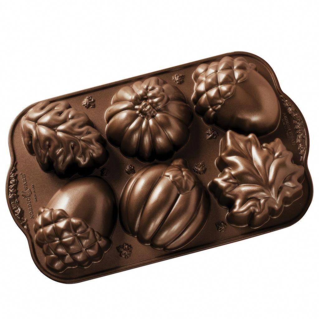 Nordic ware autumn treats pan brown 3 cup autumncakes