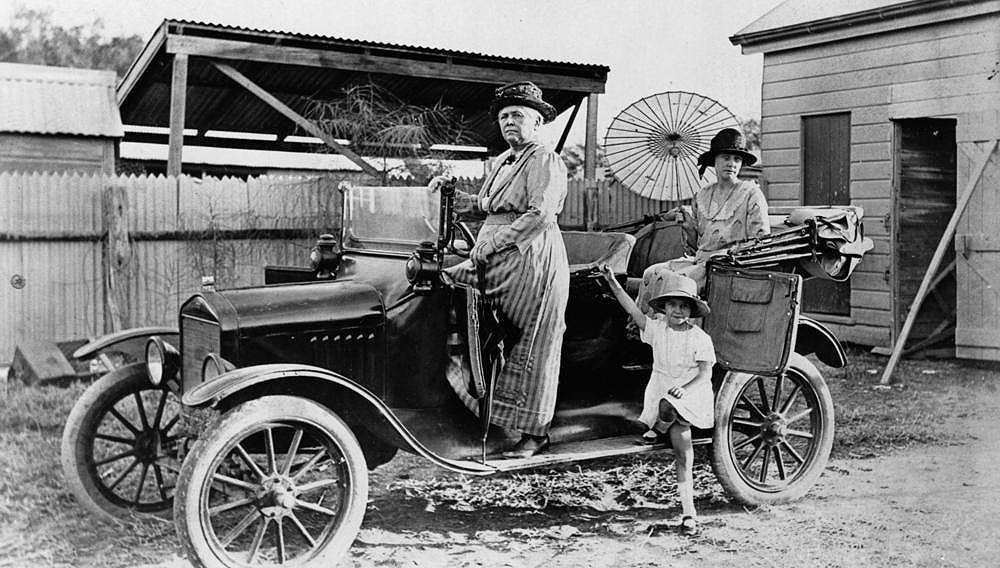 Model T Ford Forum Old Photo - Ladies Ready For An Outting & Model T Ford Forum: Old Photo - Ladies Ready For An Outting ... markmcfarlin.com