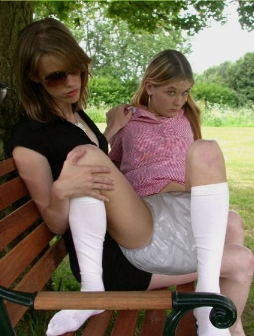 pet girls wetting outside