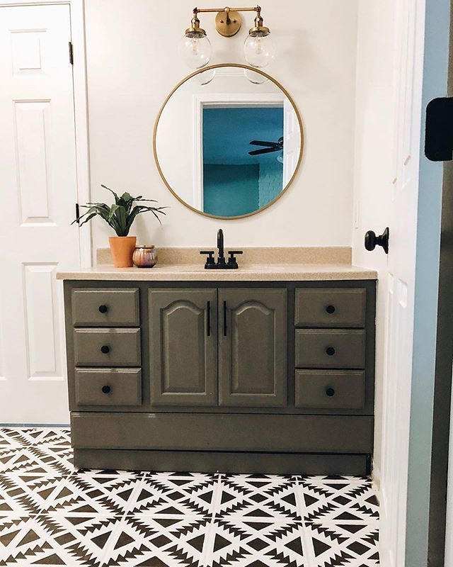 DIY painted and stenciled bathroom tile floor makeover ...