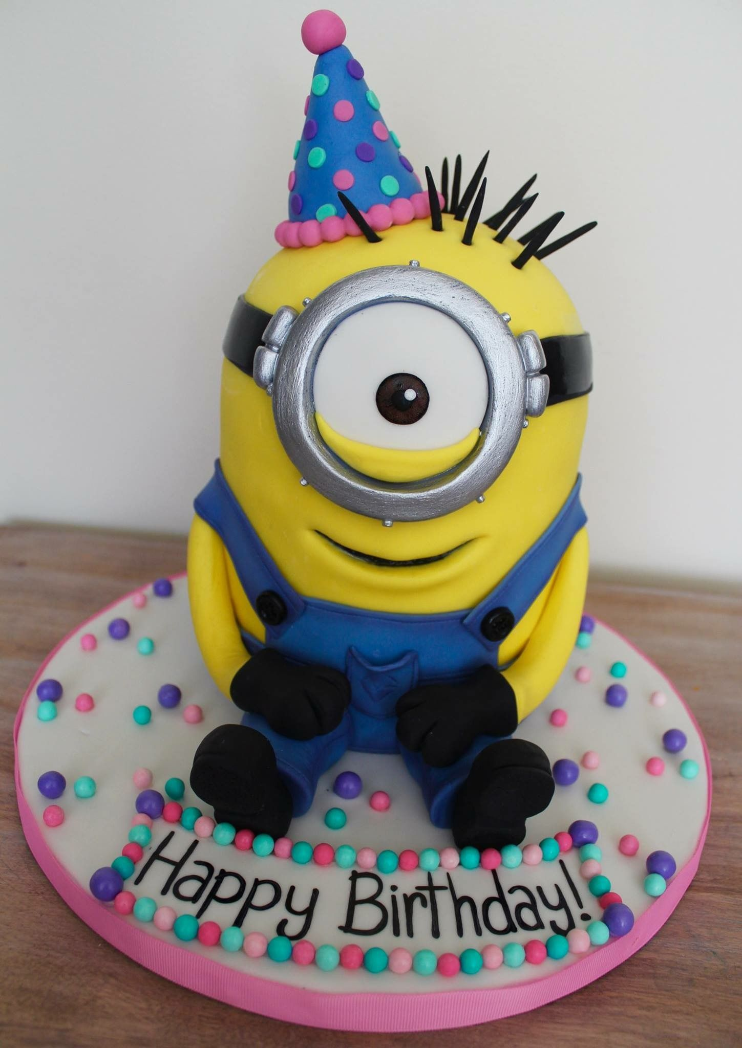 3D minion sculpted birthday cake