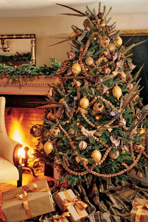 60+ Stunning New Ways to Decorate Your Christmas Tree Au natural