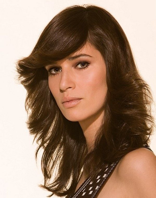 Layered And Outward Feather Cut Hairstyle