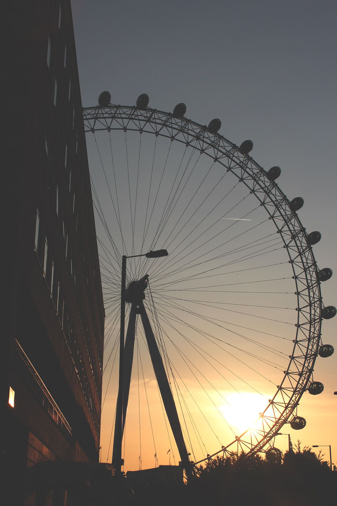 (2) Tumblr photo, giant, swirling sunset, ferris