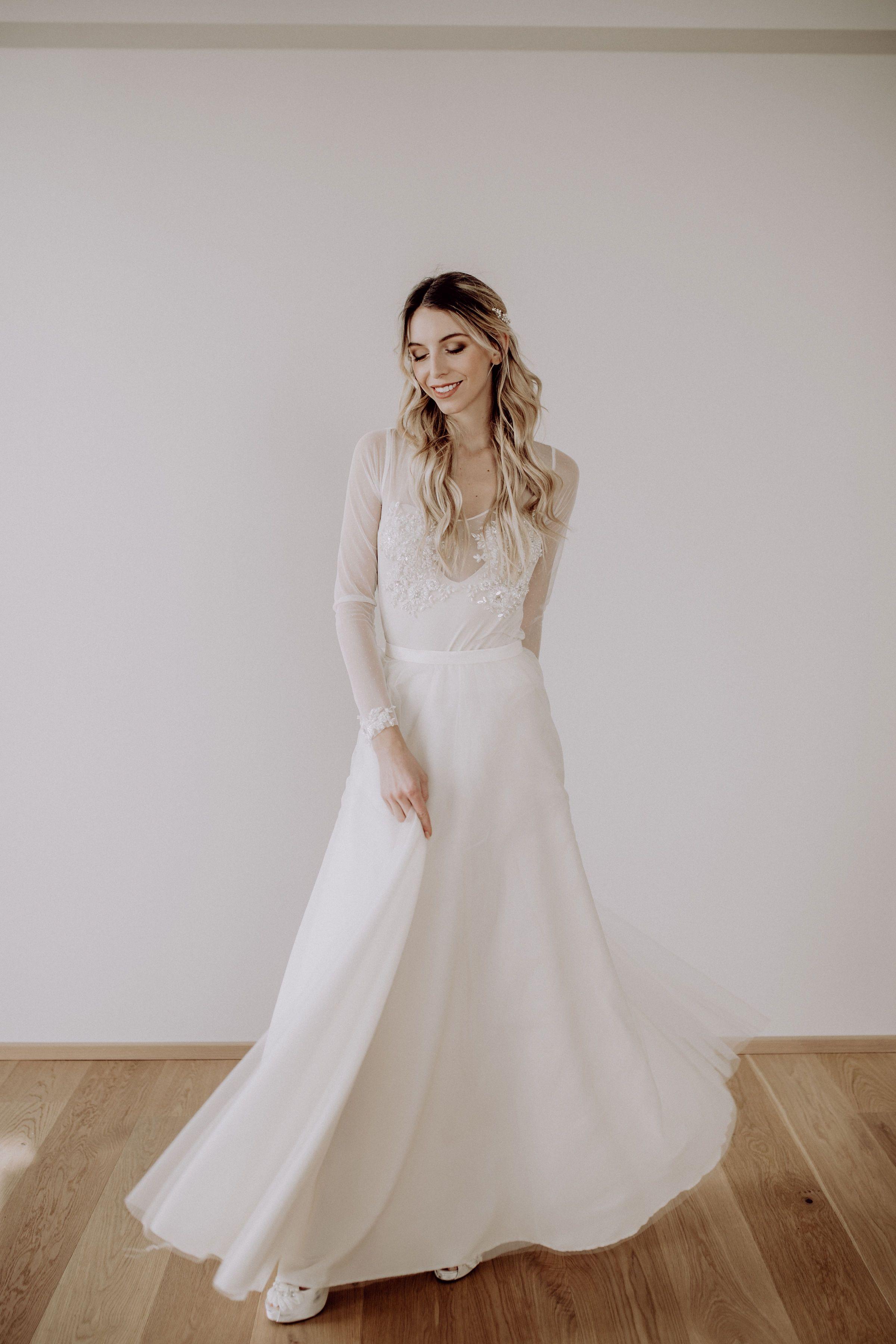 15-teiliges Brautkleid, Body mit perlenbestickter Spitze