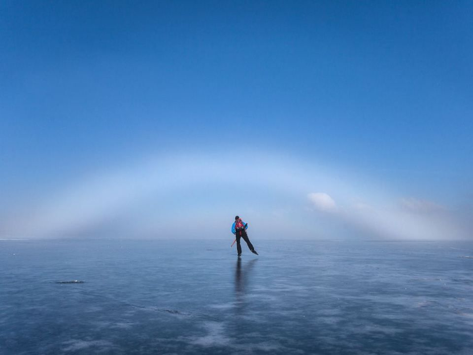 http://4giul.wordpress.com/2013/05/24/photo-ice-skater-sweden/