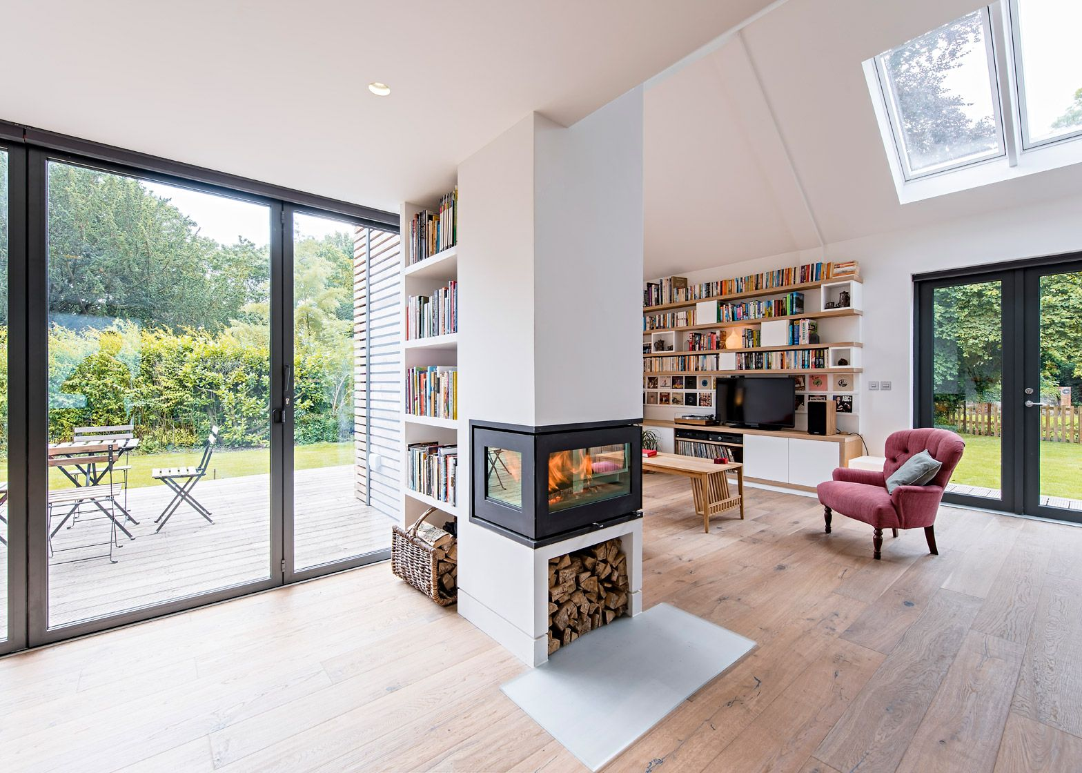 Baca S Flood Resilient Home Beside An Oxfordshire Brook In 2020 Modern Windows And Doors Modern Windows Home