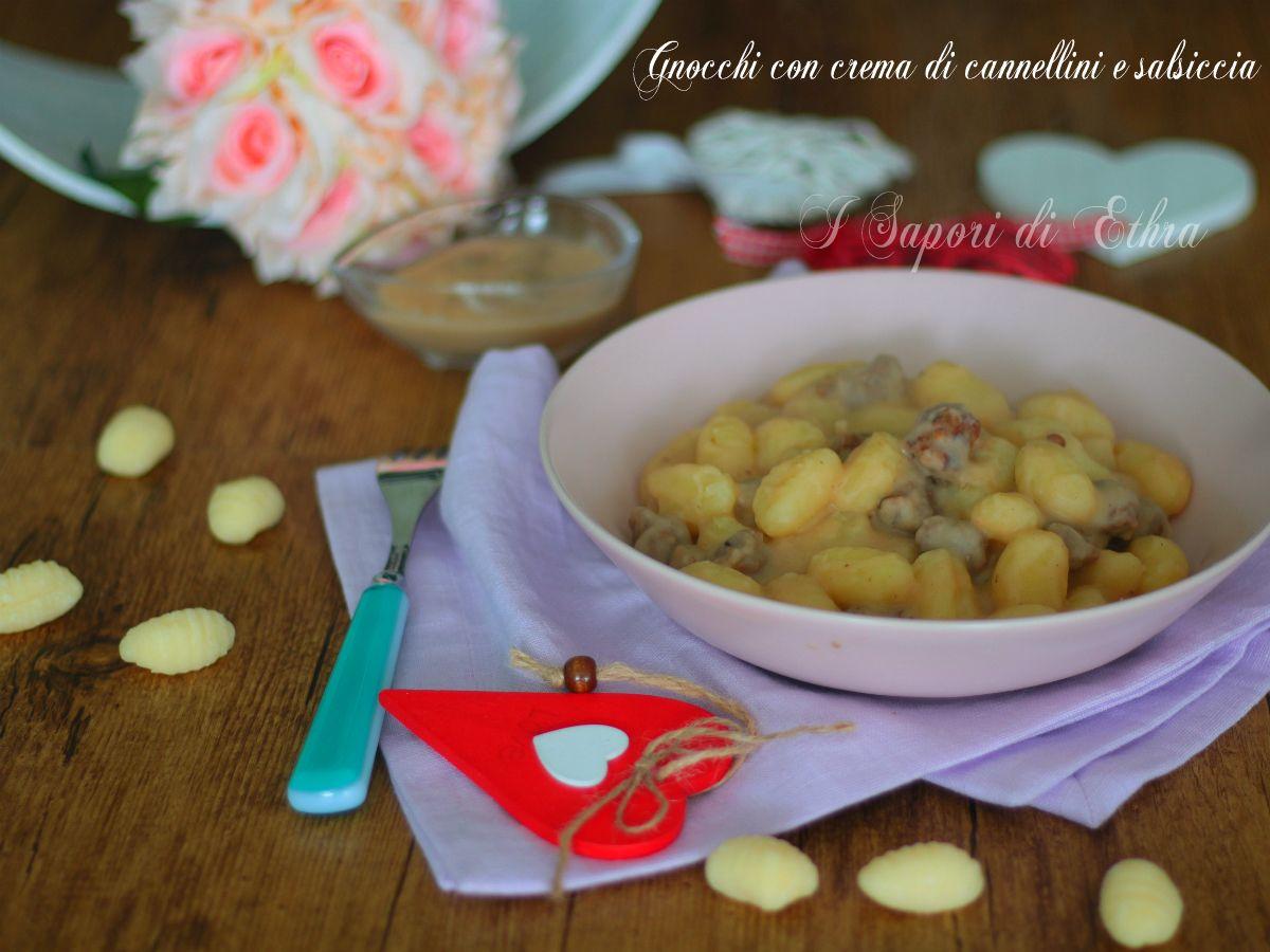 Gnocchi+con+crema+di+cannellini+e+salsiccia+