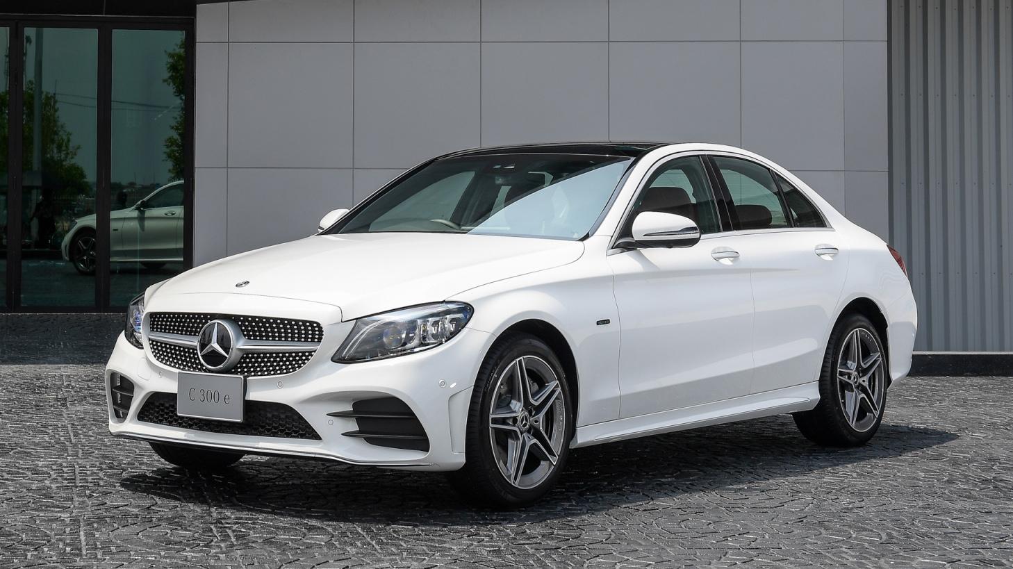 2019 Mercedes Benz C300e Plug In Hybrid Thai Prices And Specs Bangkok Post Auto Benz Mercedes Benz Mercedes