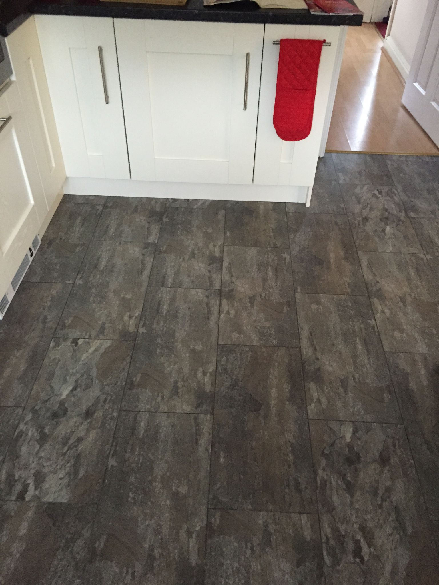 Polyflor Camaro Ocean Slate with a Graphite Grout Strip