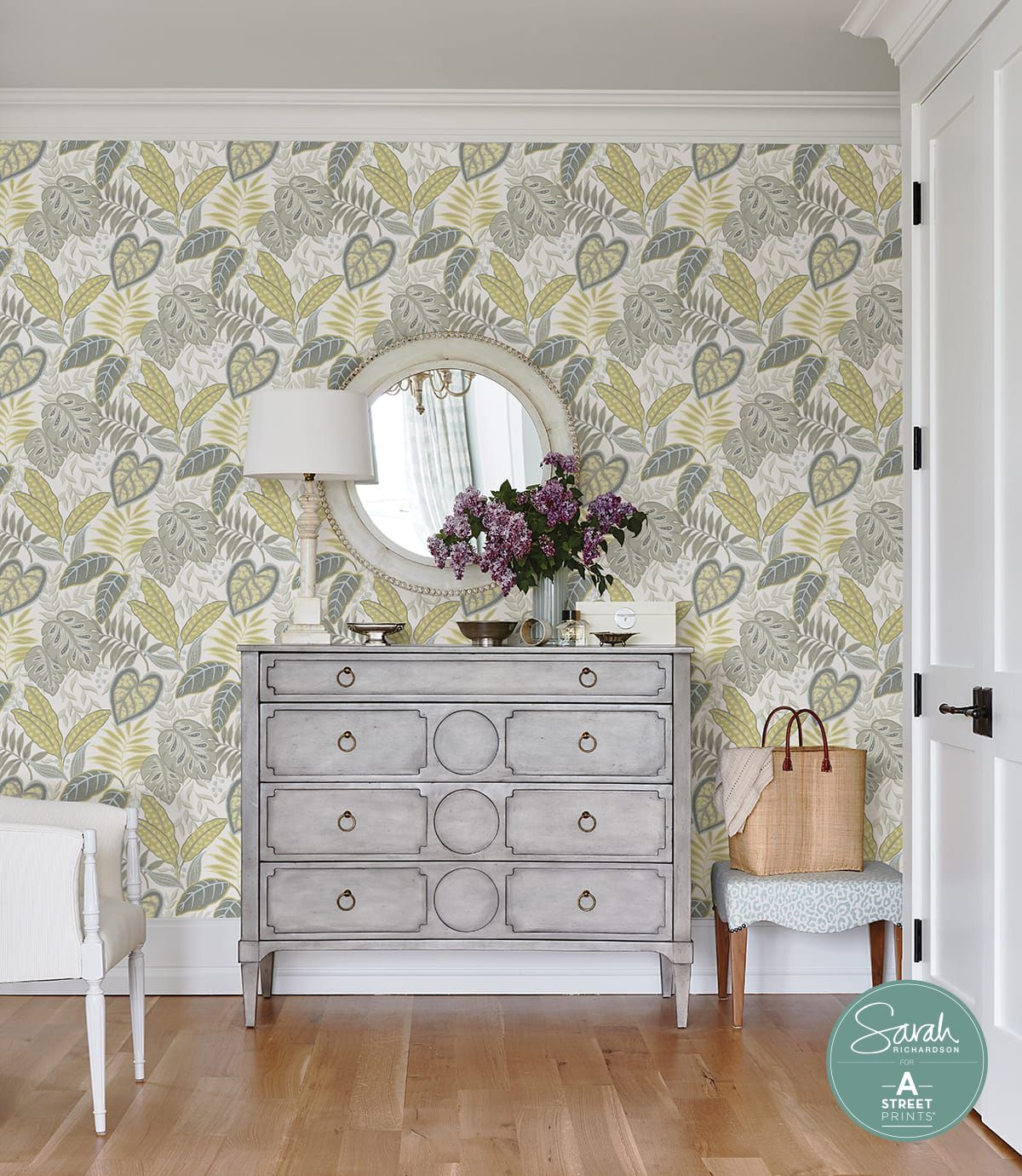 Lelands Interiors Founded In 1981 Located In Arlington Tx In 2020 Home Town Hgtv Wallpaper Decorating Sites