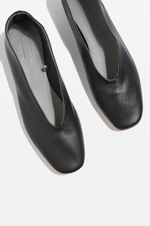 b1a318a295e22 Kick Soft Leather Ballet Pumps | Alicia J's Fab Fashion Finds ...