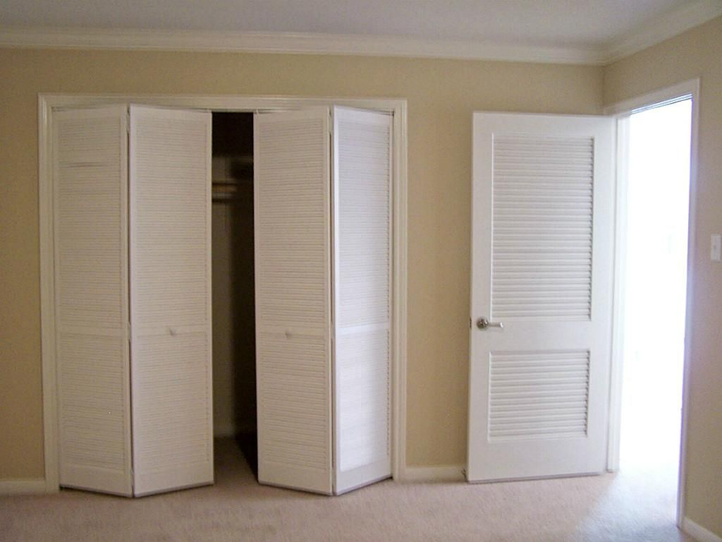 Louvered Sliding Doors For Closets Interiores Decoracion De