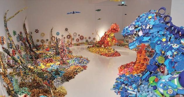 50,000 DISCARDED TOYS TURNED ART BY HIROSHI FUJI