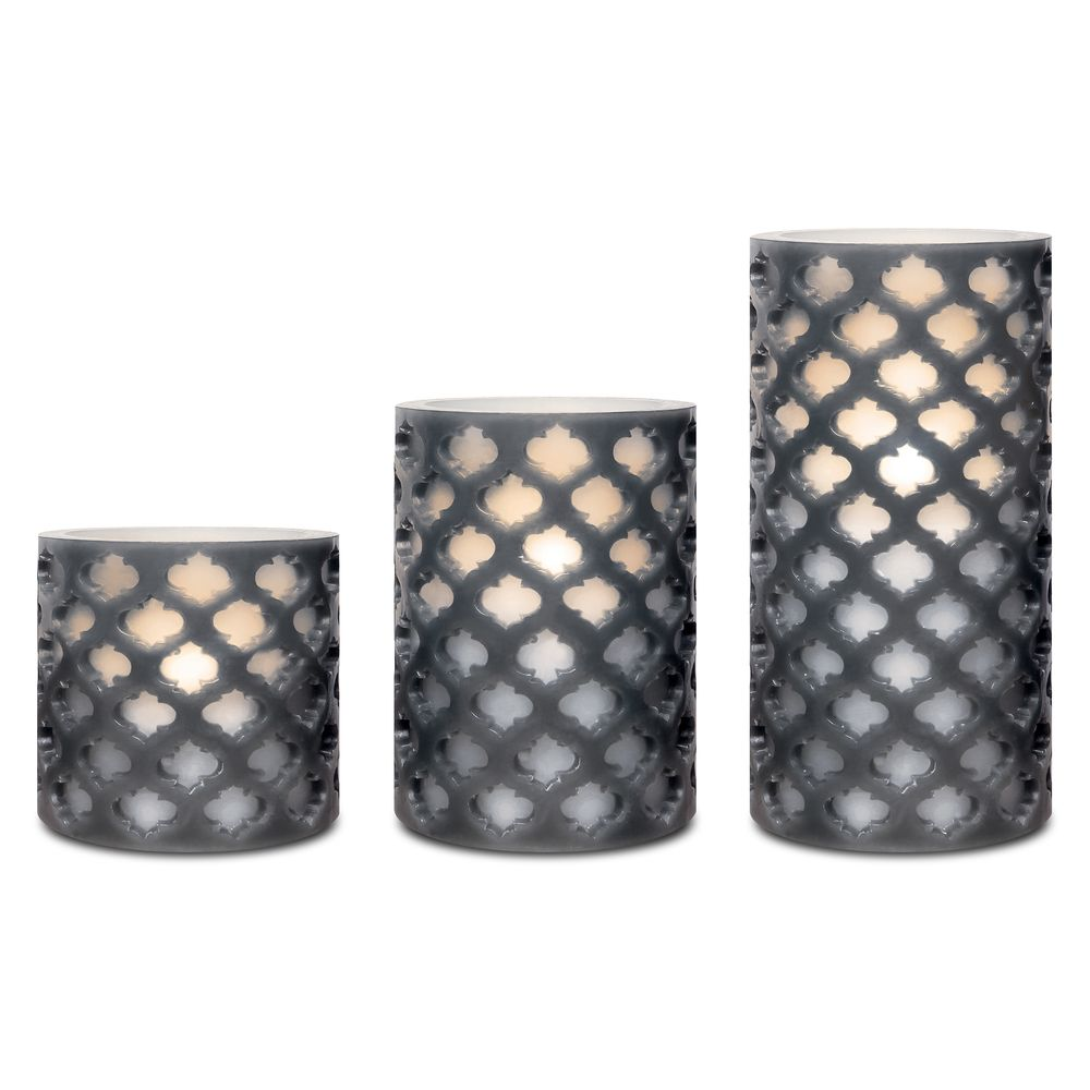 Set the perfect mood with this three set of candles chic and