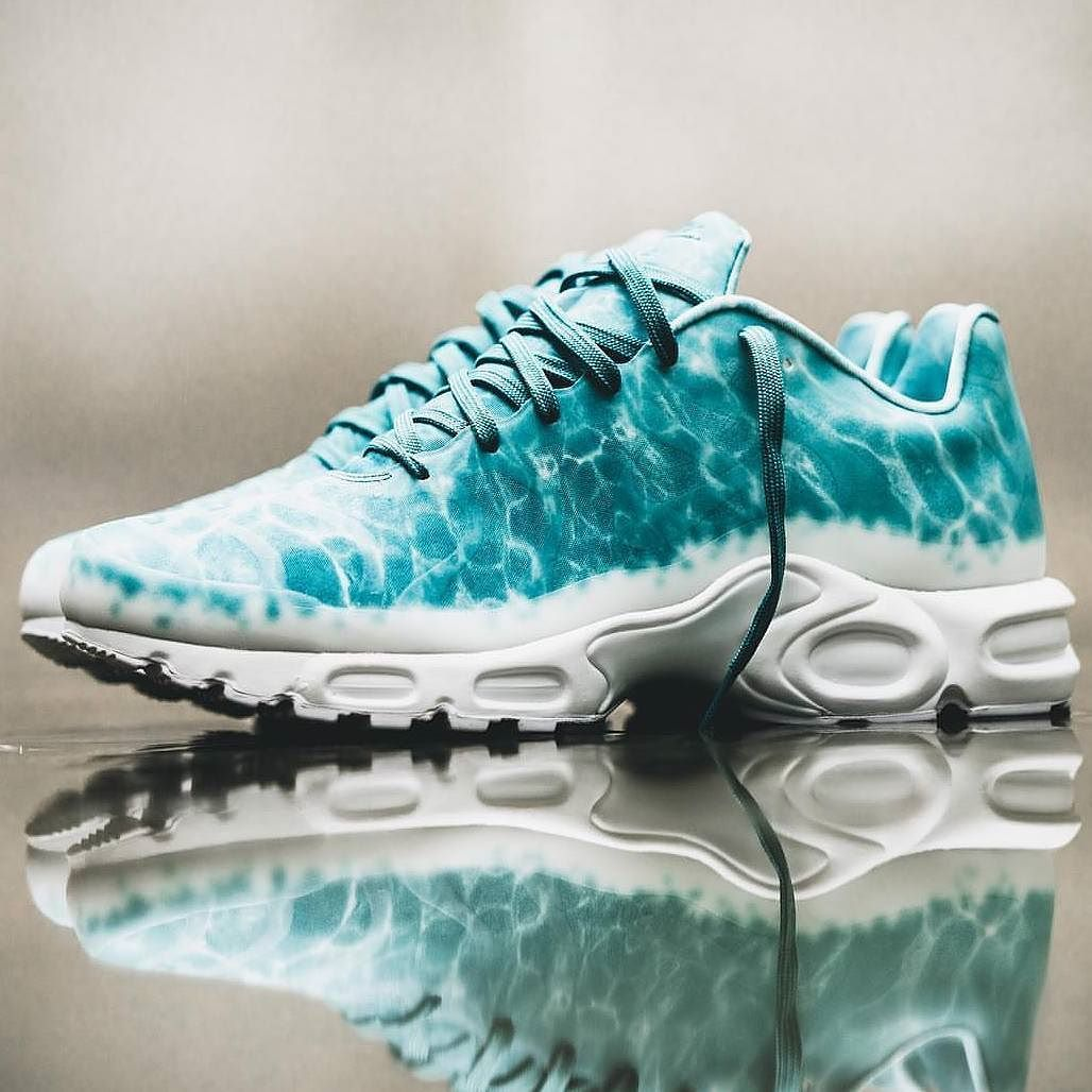 6973bd627a New Sneaker Releases, Pool Shoes, Men's Shoes, Nike Air Max Plus, Sneaker