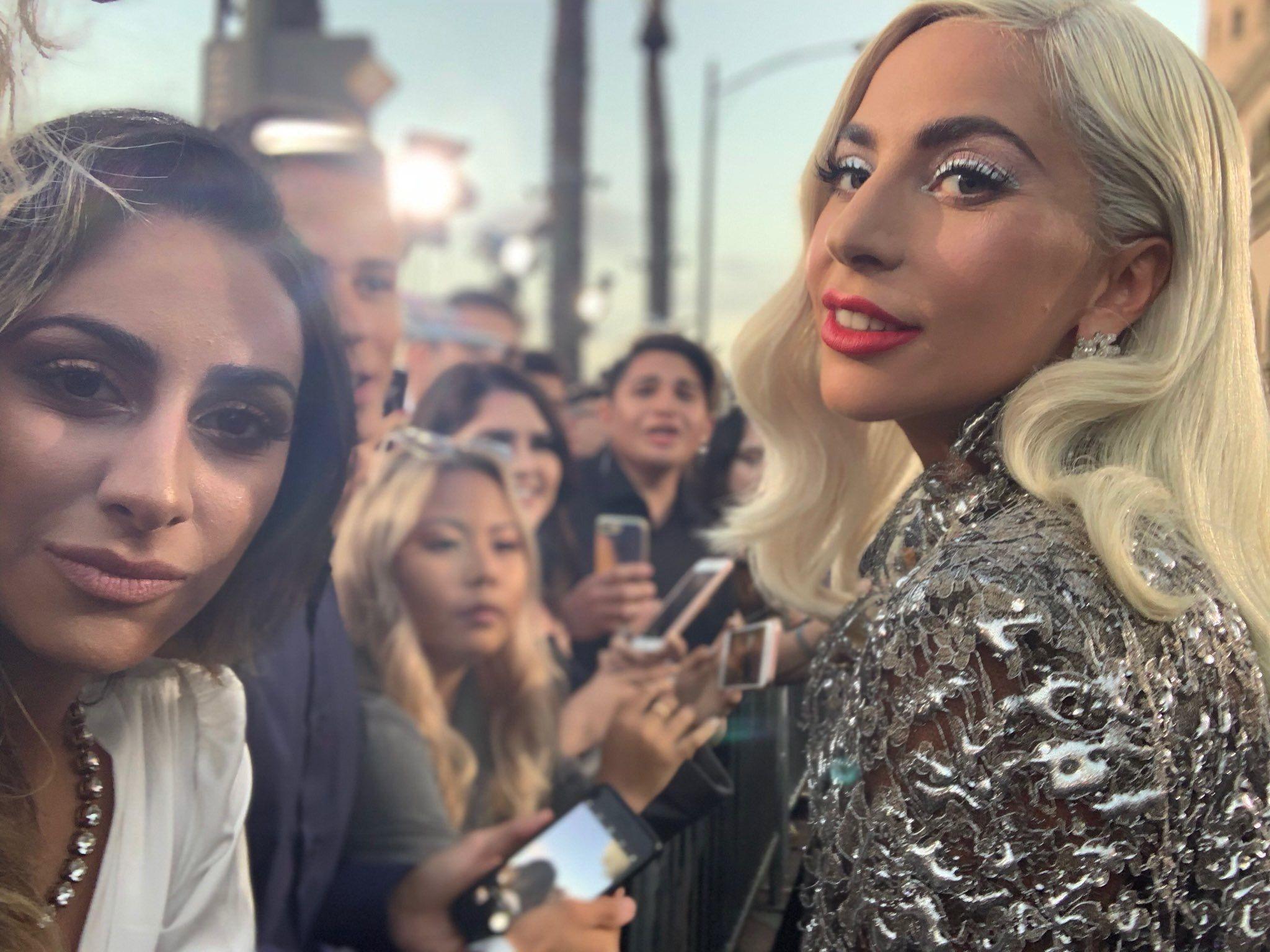 Pin De Hella Awkward Em Lady Gaga Stefany