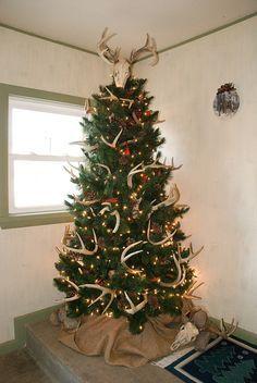 Hunter's Trophy Christmas Tree | Christmas tree, Guns and ...