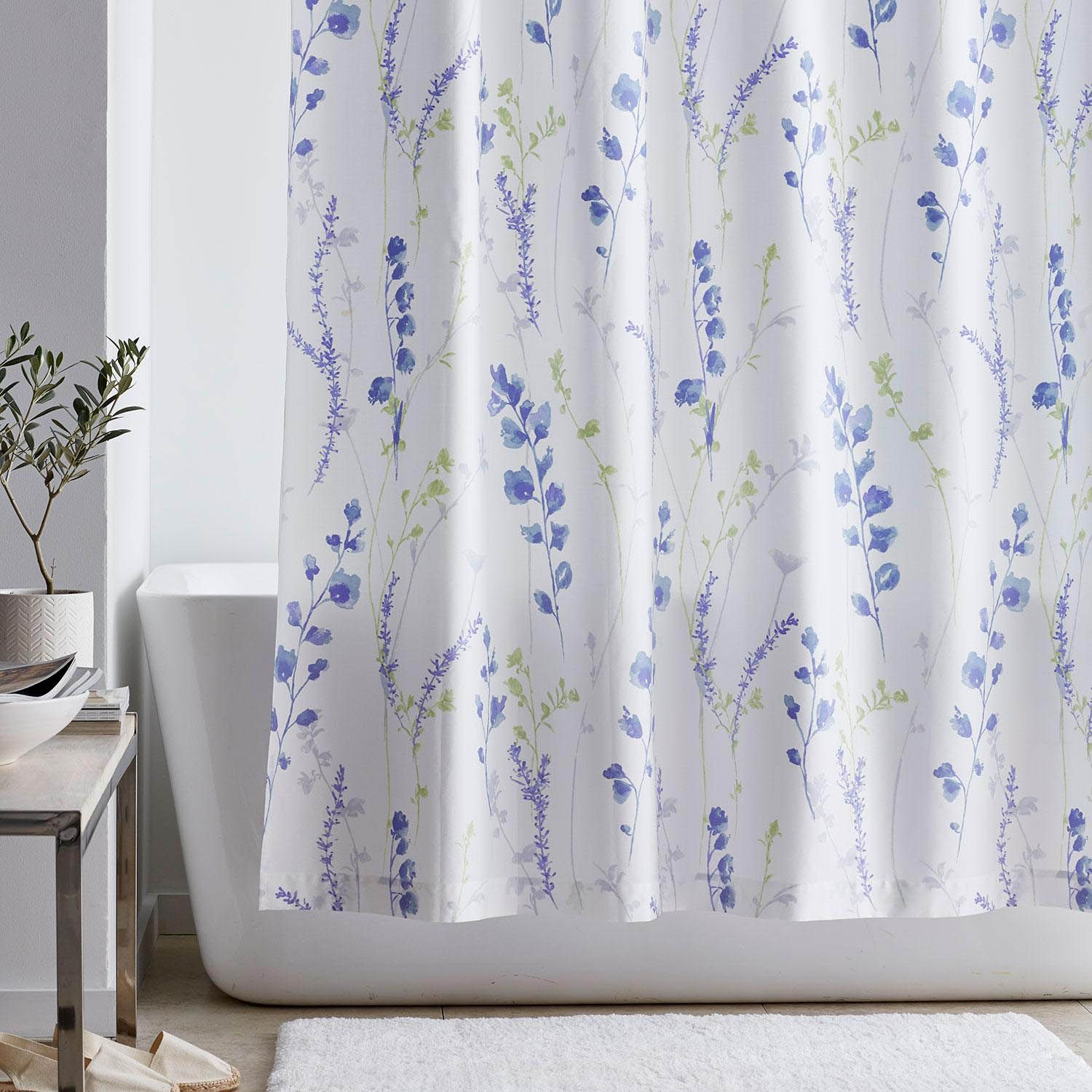 Downpour Curtain Ideas Make Your Bathroom Look More Spacious