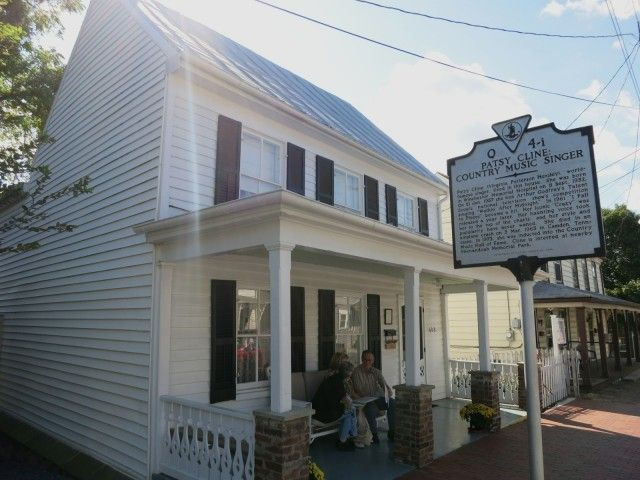 Winchester Va Patsy Cline Civil War Chaos And Great Eats Winchester Virginia Virginia Travel Winchester