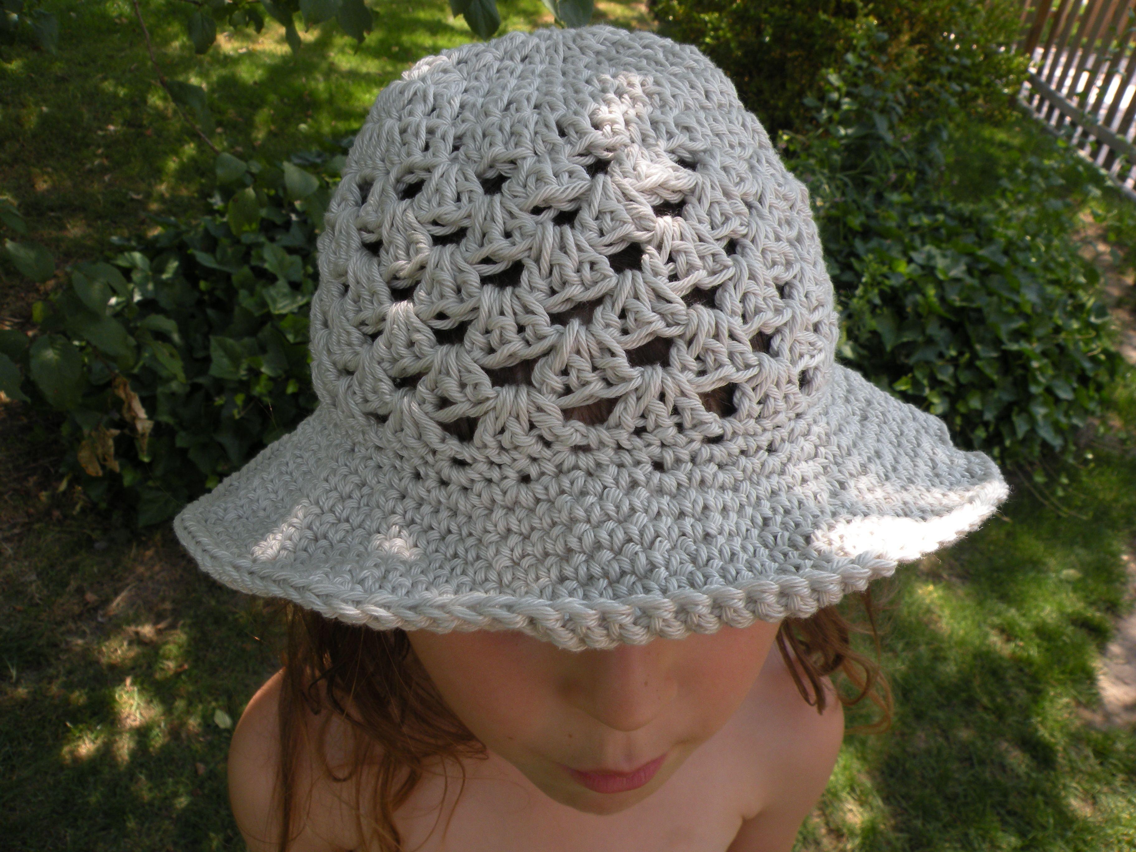 chapeau crochet enfant gratuit