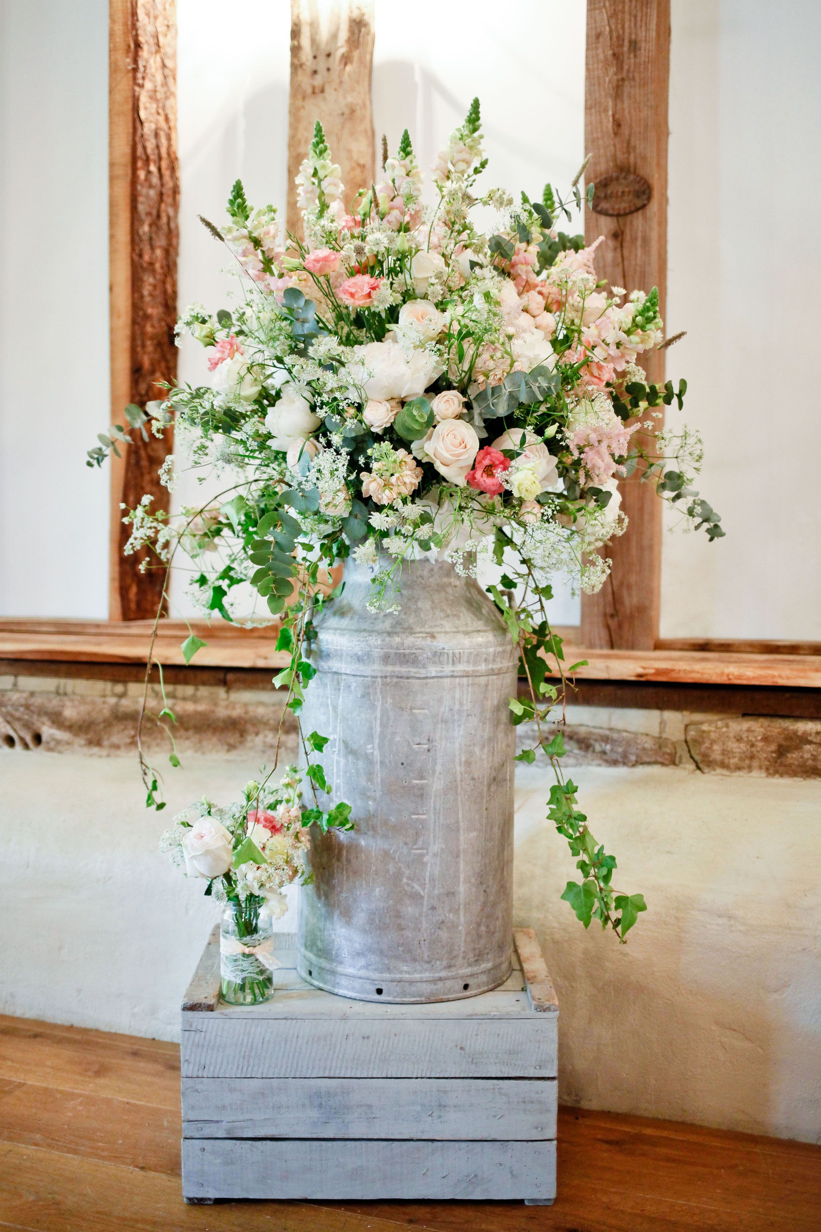 Pin By Lynette M Crane On Garden Style Florals Wedding