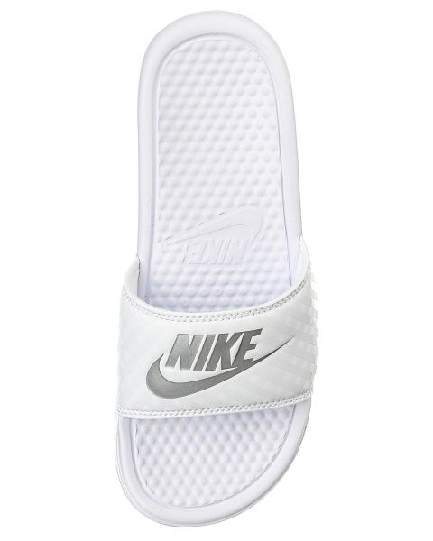 b72fd66d0ef Nike BENASSI JDI flip flops - Hvid | STYLEPIT ♥ White fashion ...