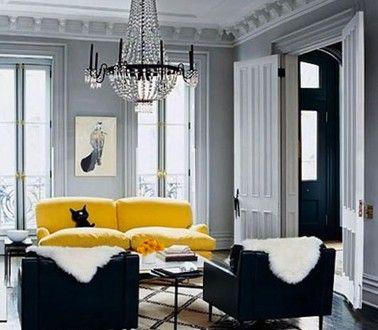 canape-cuir-jaune-dans-salon-peinture-grise-et-fauteuil-noir | Jaune ...