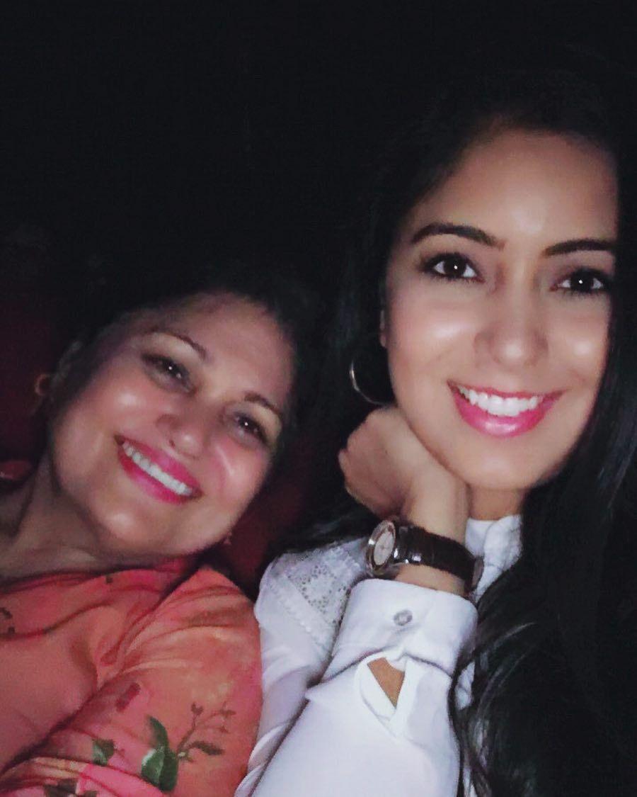 Watching #DearMaya with my DearMom #SpecialScreening #SooneSaaye