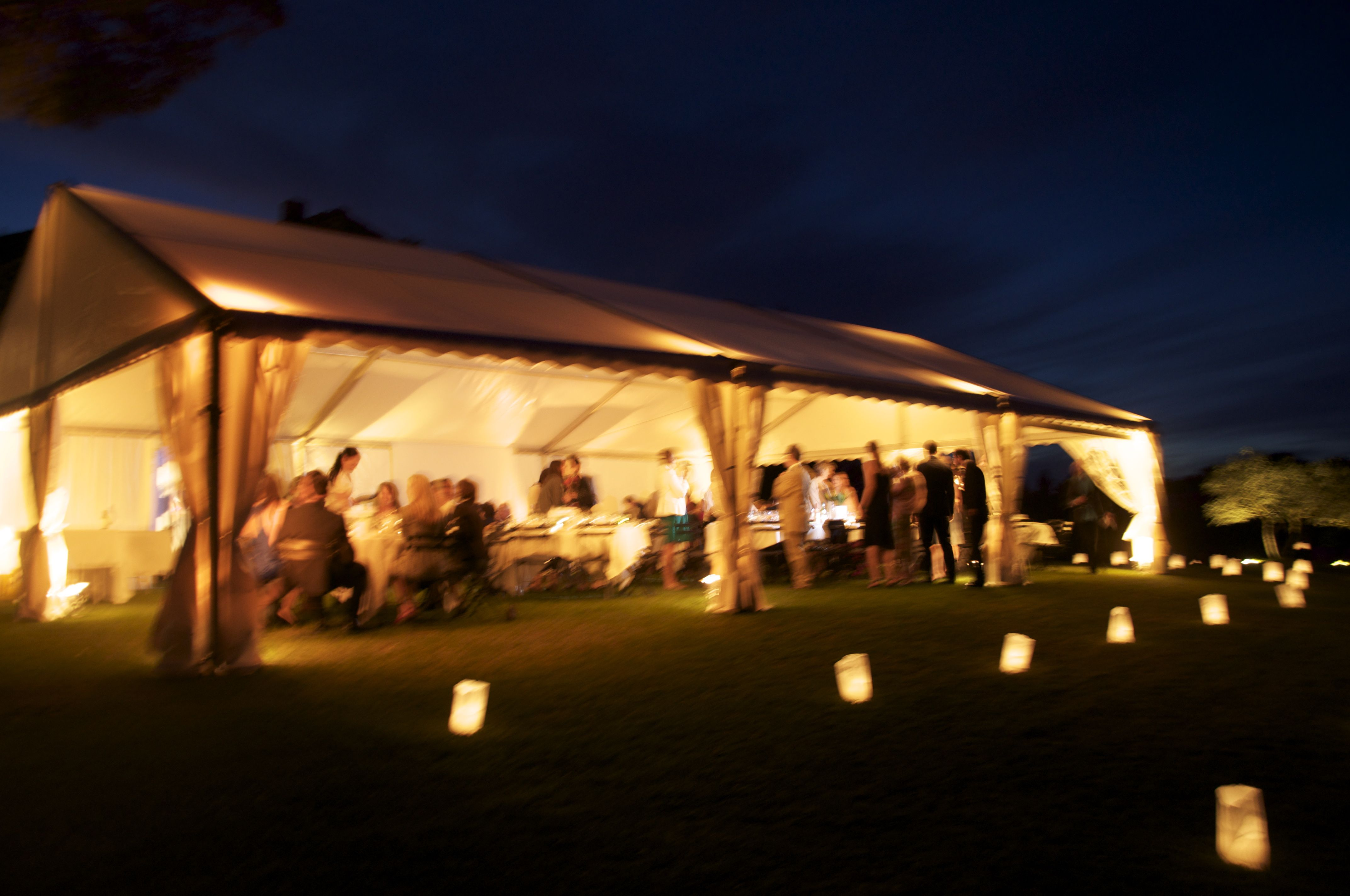 Diner under a marquee - Provence Wedding
