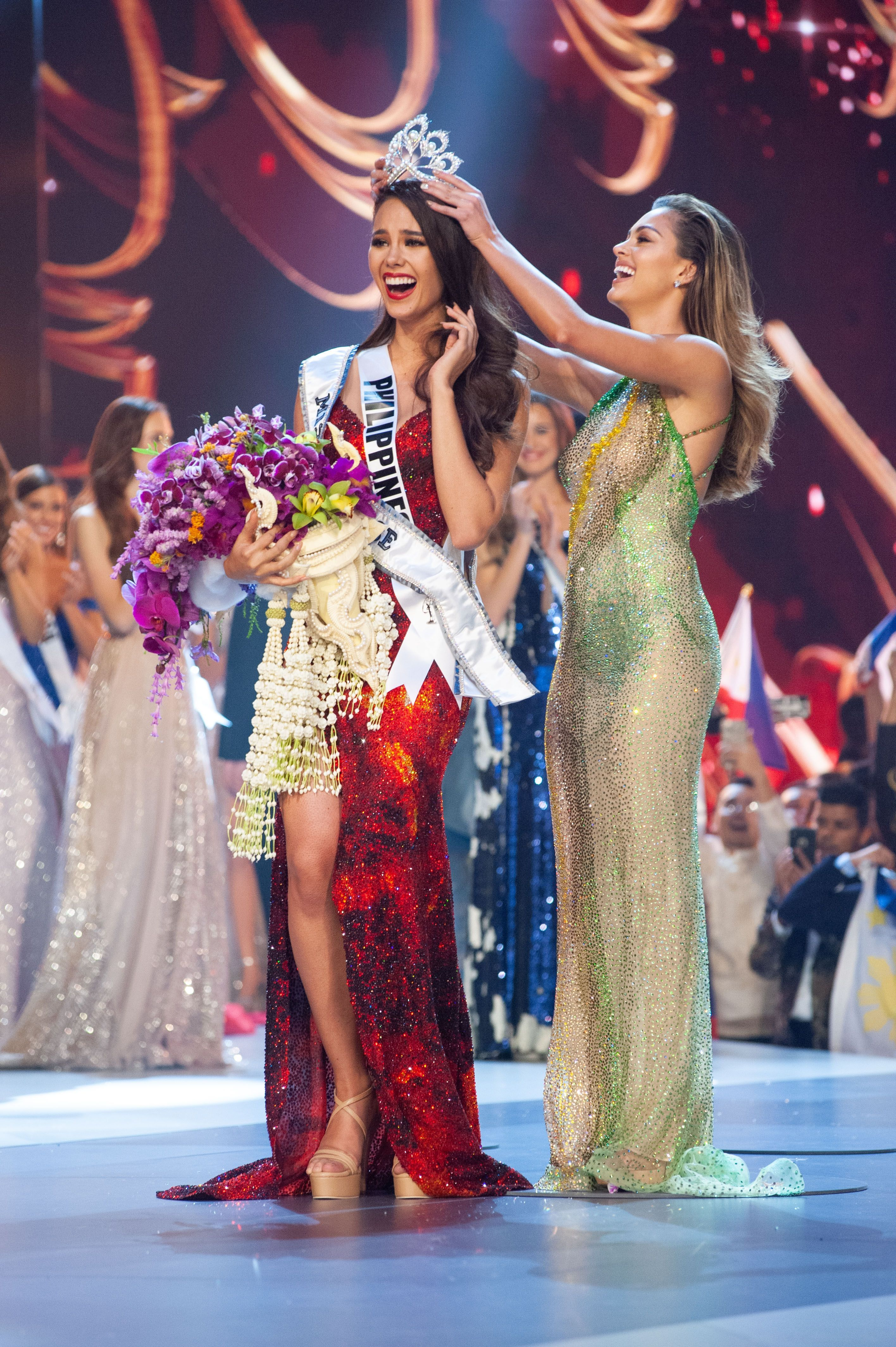 Here is Catriona Gray's crowning moment at the