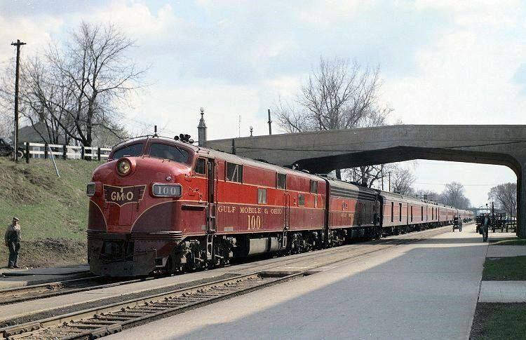 Gm O S The Limited Seen At Bloomington Il April 1958 Train Locomotive Ohio