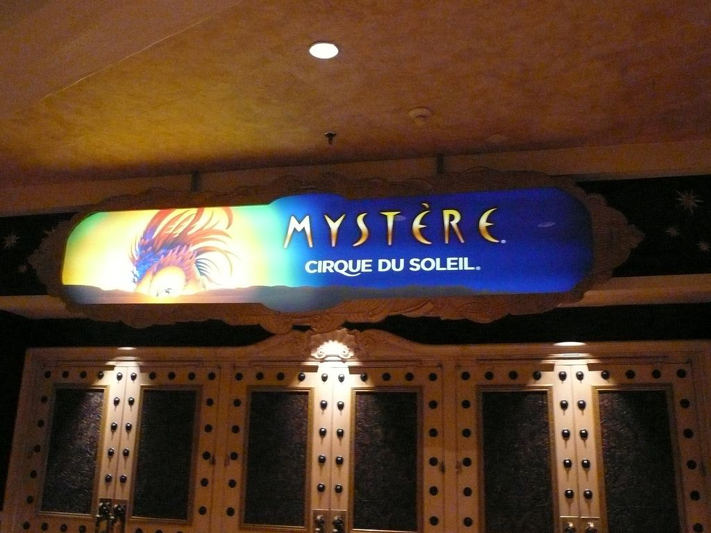 Mystere banner