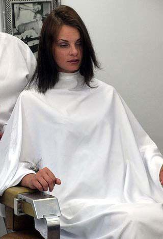 Woman Barber Shop Hair Cut Stories Barbershop In 2019