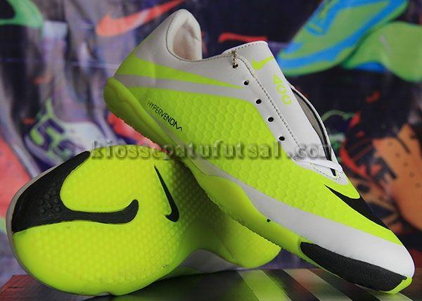 Pin Di Sepatu Futsal Nike Original