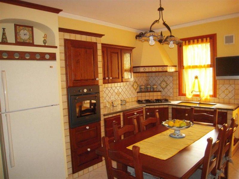 Cucine in muratura cu ce mur cucine in muratura tavoli in pietra lavica top e lavelli in - Cucine in pietra lavica giarre ...