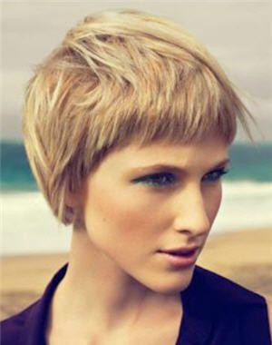 60 coupes pour paraître plus jeune Pixie haircut