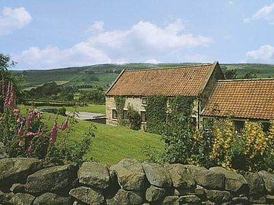 Rosedale Glaisdale Dale Rosedale offers pet-friendly accommodation in Glaisdale, 16 km from Whitby and 32 km from Scarborough. The unit is 31 km from Middlesbrough.  There is a dining area and a kitchen complete with an oven and a toaster.