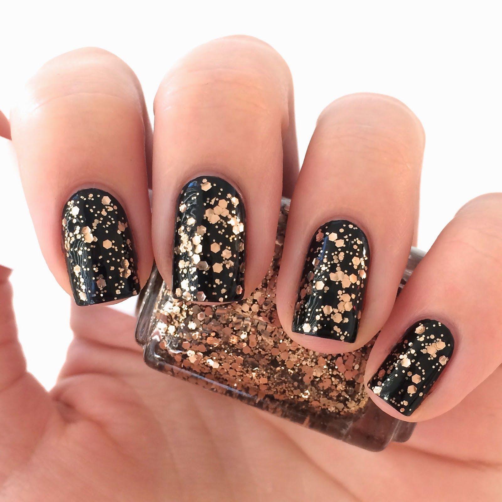 Essie nail polish - summit of style | Nagellack und Nagelschere