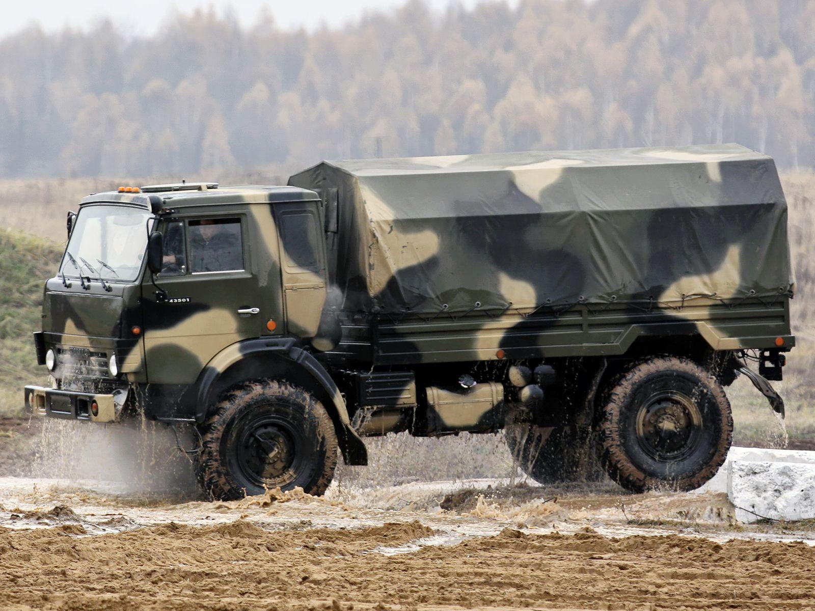 фото военного автомобиля камаз показала