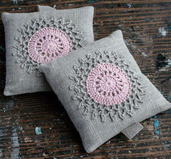 Lavender sachets -- crochet motif -- set of 2   Kissen, Häkeln und ...