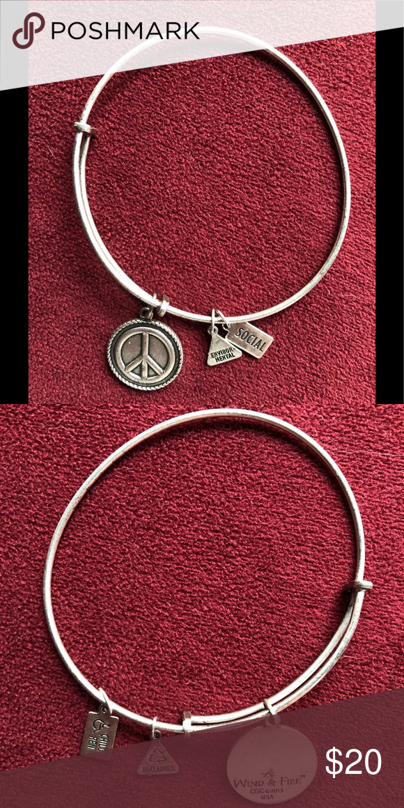 Wind And Fire Peace Sign Bracelet Excellent Condition Never Worn It Was A Gift I M Just Not A Jewelry Person Wind Fire Jewelry B Bracelets Jewelry Jewelry Bracelets