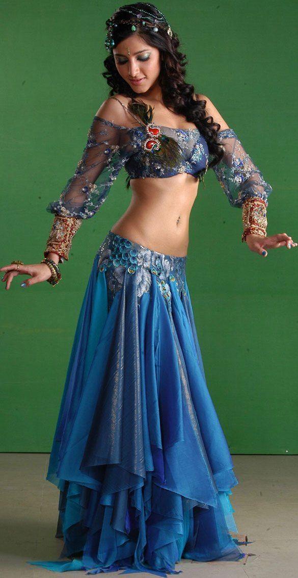 6e80b408e3 Beautiful body and headress girl belly dancing