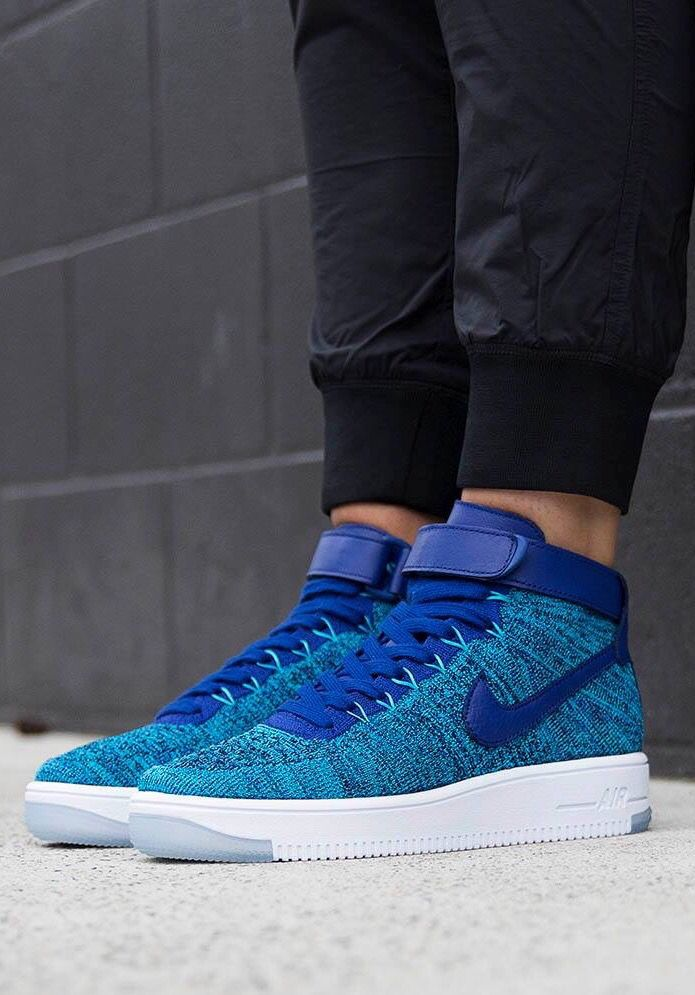 new styles c9b83 68abb Nike Air Force 1 Flyknit