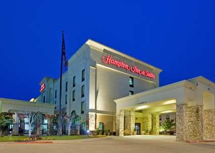 Our Hampton Inn And Suites Hurst Hotel Is Located Near Dfw Airport Offering Free Hot Breakfast Wifi
